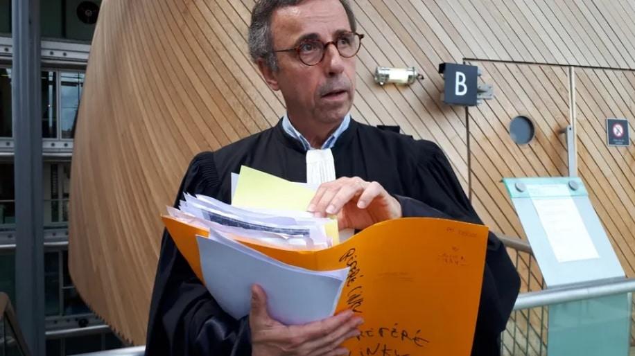 Maître Hurmic qui porte la voix des 206 particuliers engagés contre les compteurs Linky